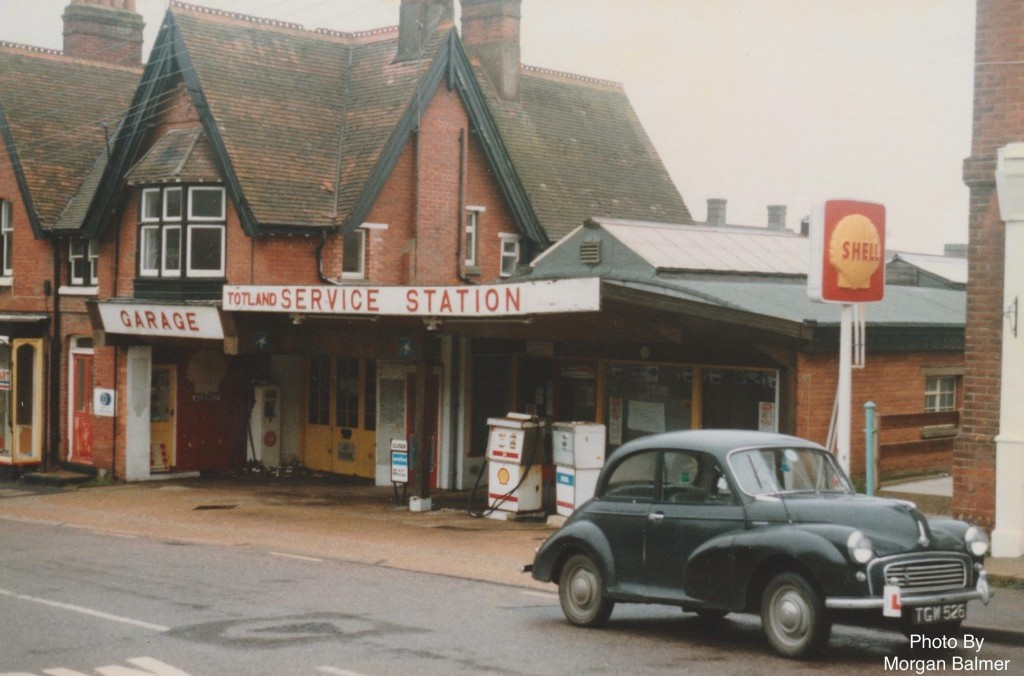 Totland Service Station